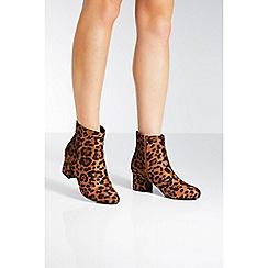 Quiz - Leopard print block heel ankle boots