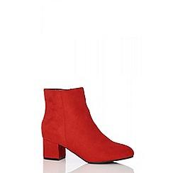 Quiz - Red block heel ankle boots