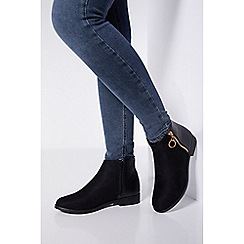Quiz - Wide fit black zip ankle boots