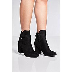 Quiz - Black faux suede wrap ankle boots