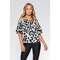 Quiz - Cream and black animal print cold shoulder top