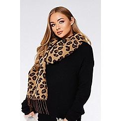 Quiz - Leopard knit scarf