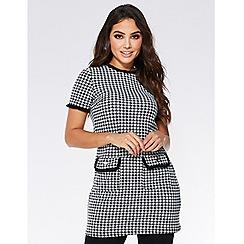 Quiz - Black and white short sleeve check tunic dress