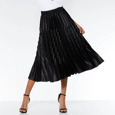 Quiz – Black Satin Pleated Zig Zag Skirt