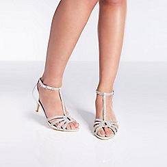 Quiz - Silver shimmer twist mid heel sandals