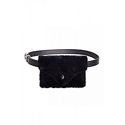 Quiz - Black faux fur belt bag