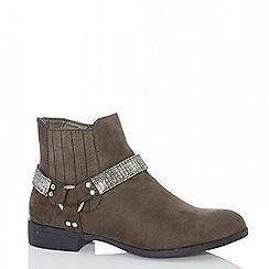 Quiz - Khaki diamante strap western ankle boots