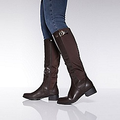 Quiz - Brown knee high rider boots