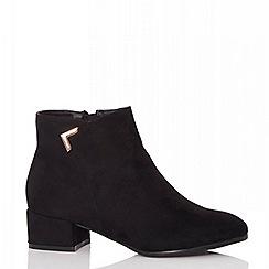 Quiz - Black faux suede ankle boots