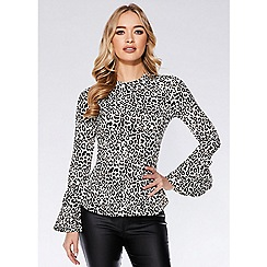 Quiz - Black and white leopard print peplum top