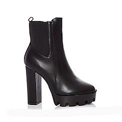 Quiz - Black platform heeled ankle boots