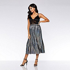 Quiz - Silver metallic pleated skirt