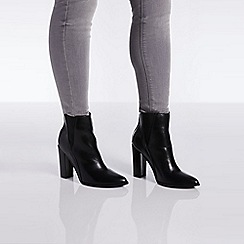 Quiz - Black block heel ankle boots