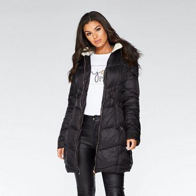 3cbd642d3b7 Quiz - Black faux fur trim long line puffer jacket