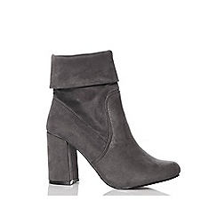 Quiz - Grey faux suede ankle boots