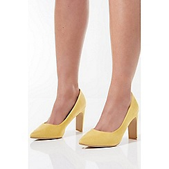 Quiz - Yellow Faux Suede Point Court Shoes