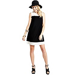 HotSquash - Black knee-skimming dress in CleverFabric