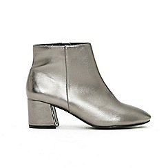 Evans - Wide Fit Metallic Block Heel Ankle Boots