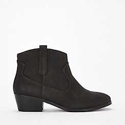 Evans - Extra wide fit black western ankle boots