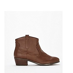 Evans - Extra wide fit brown western ankle boots