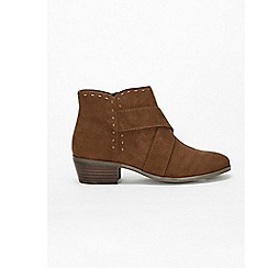 Evans - Wide fit brown stitch western low ankle boots