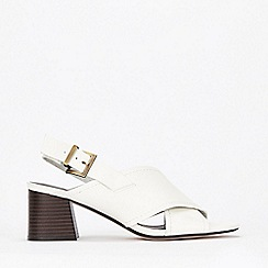 Evans - Extra Wide Fit White Crossover Flared Heeled Sandals