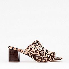 Evans - Extra Wide Fit Leopard Block Heel Peep Toe Mules