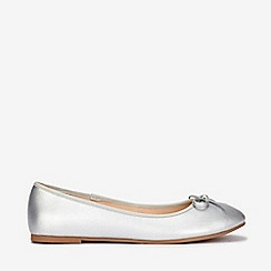 Evans - Wide fit silver bow ballerina
