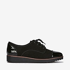 Evans - Wide fit black lace up brogue