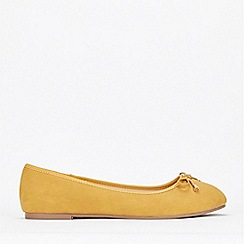 Evans - Extra Wide Fit Yellow Bow Ballerina Shoes
