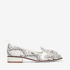 Evans - Extra Wide Fit Ivory Snake Print Tassel Loafers