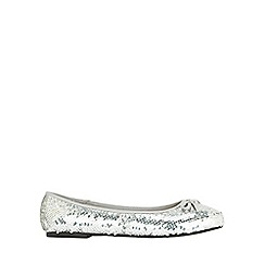 Evans - Extra wide fit silver sequin flat ballerina pumps