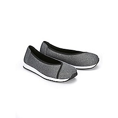Evans - Grey slip on trainers
