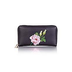 Yumi - Black embroidered purse