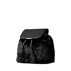 Yumi - Black faur fur backpack
