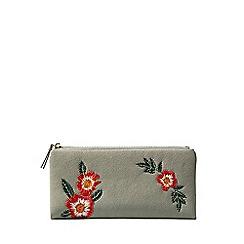 Yumi - Grey embroidered flower purse