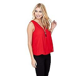 Mela London - Red sleeveless zip puller top