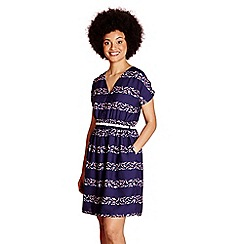 Yumi - Blue cold shoulder swimmer 'aayat' print dress