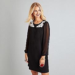 Yumi - Black applique flower sheer sleeve dress