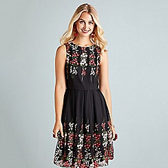 Yumi - Black floral print 'Elidia' fit and flare dress