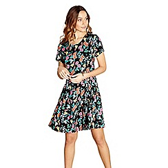 Yumi - Black floral print 'Luba' round neck skater dress