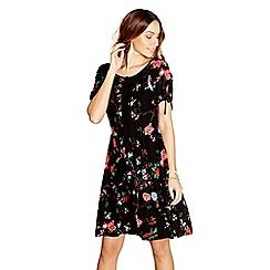 Yumi - Black floral print 'Anahya' day dress