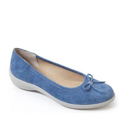 Padders - Light blue leather 'Roxy' mid heel wide fit pumps