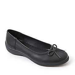 Padders - Black leather 'roxy' mid heel wide fit pumps
