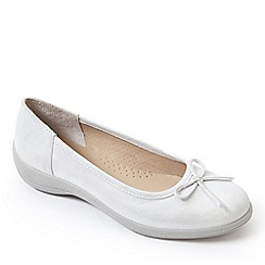 Padders - Silver leather 'Roxy' mid heel wide fit pumps