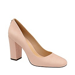 Ravel - Nude 'Baldwin' block heel court shoes