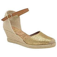c21957b86461 Ravel - Gold  Etna Metallic  ladies wedge sandals
