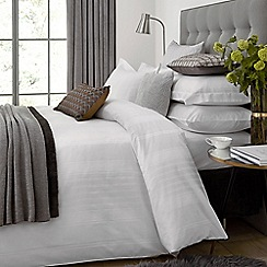 Hotel - White combed cotton 300 thread count 'Sakala' duvet cover