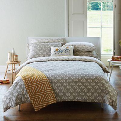 scion light grey cotton 39 snow drop 39 duvet cover debenhams. Black Bedroom Furniture Sets. Home Design Ideas