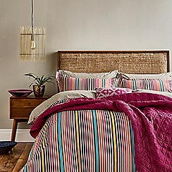 Bedeck 1951 Dark Red Cotton And Polyester 180 Thread Count Tamar Duvet Cover